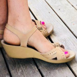 Vtg 70s YO YO's Wedge Heel Open Toe Sandal Sz. 9